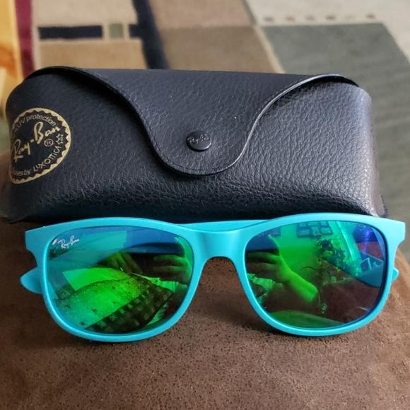 Ray-Ban Other - Rayban sunglasses